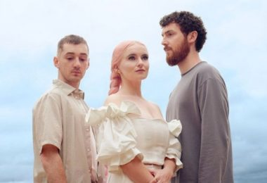 Download MP3: Clean Bandit & Mabel — Tick Tock Ft. 24kGoldn